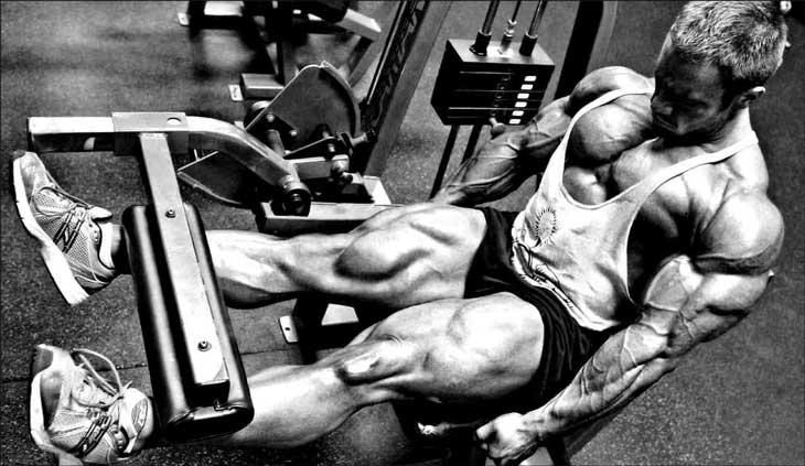 Лучшие упражнения для четырехглавой мышцы бедра после травмы колена