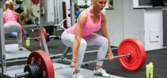 Как правильно делать становую тягу девушкам, чтобы не сорвать спину?