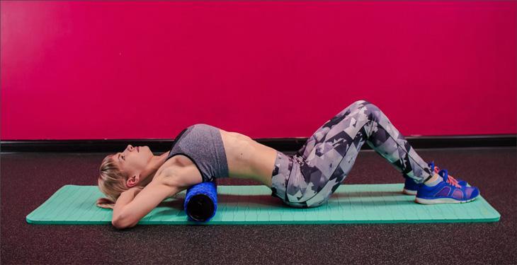 Что такое массажный ролик и какие упражнения делать для укрепления спины?